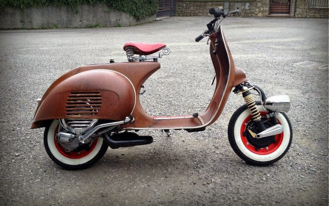 Vespa un 39 icona senza tempo moto custom blog harley for Vespa cafe racer