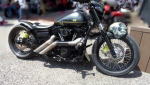 Harley S una Dyna racing